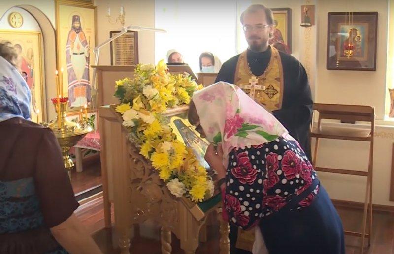 Оставшиеся без жилья новосибирские женщины с детьми ищут приюта в гостиницах РПЦ