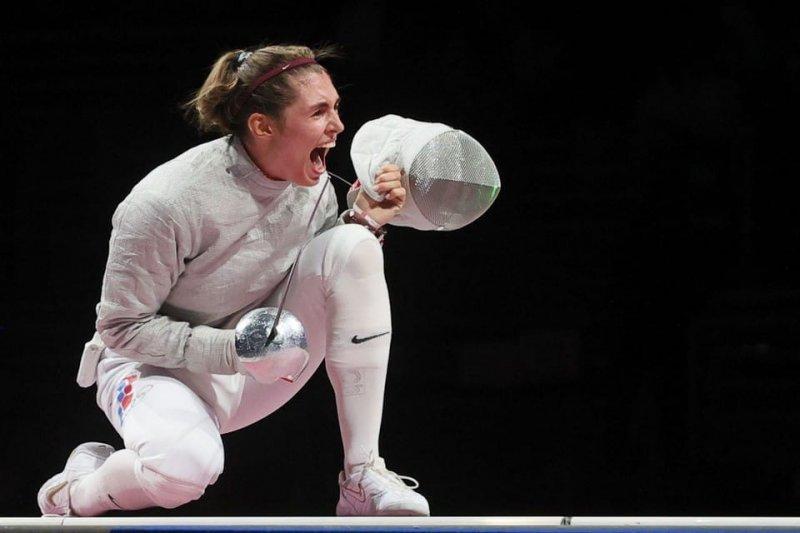 Новосибирская саблистка София Позднякова вышла в полуфинал Олимпиады