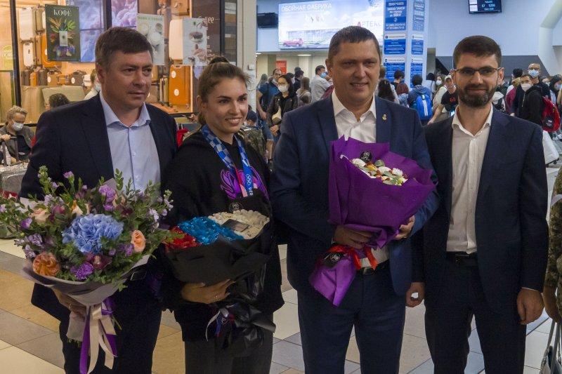 Пожертвует деньги на храм и уйдет в декрет: двукратная олимпийская чемпионка София Позднякова приехала в Новосибирск