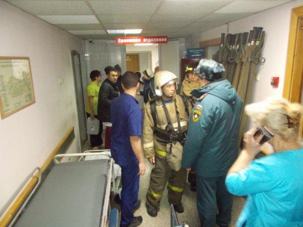 Очевидцы о пожаре в больнице: пациент мог поджечь матрас