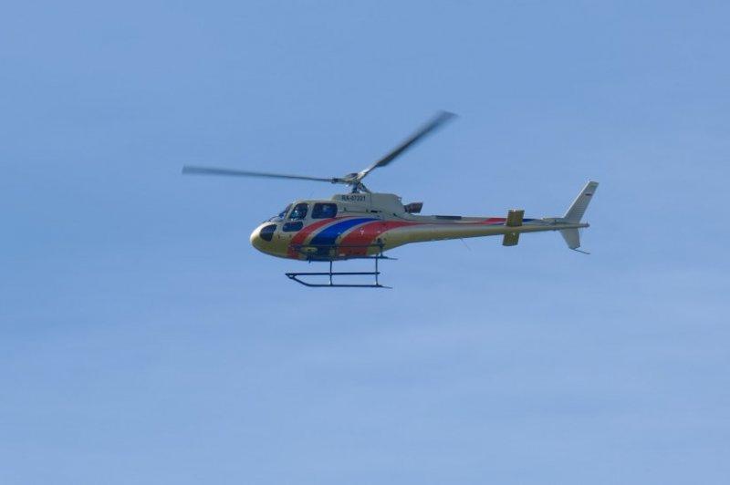Губернатор с вертолета увидел ход работ по реконструкции взлетной полосы в Толмачево