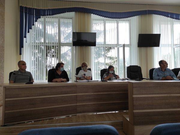 Двойника Дмитрия Курочкина со скандалом зарегистрировали кандидатом в депутаты