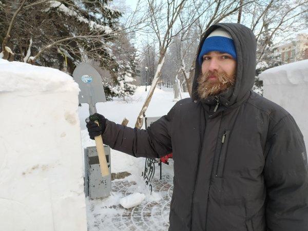Александр Невский, тевтонцы и совы: в Новосибирске начался фестиваль снежной скульптуры