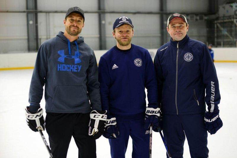 Бронзовые призеры КХЛ дали серию тренировок для детей в Новосибирской области