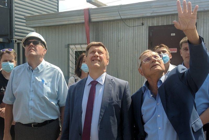 Новосибирск нищает – зарплата Анатолия Локтя растет
