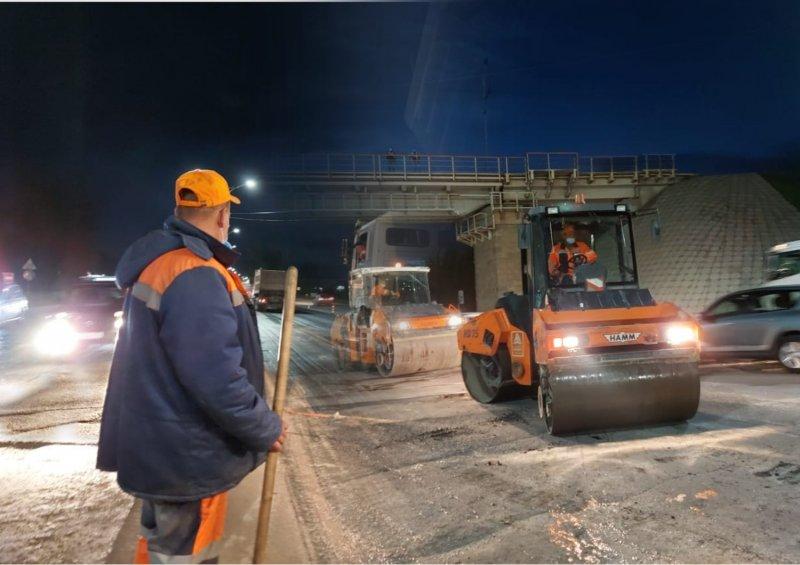«Только по ночам!»: На Бердском шоссе к концу лета залатают все дыры