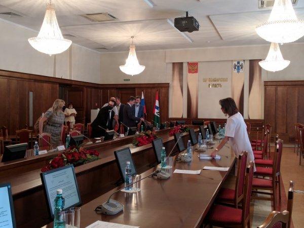 Новосибирские депутаты попросили минздрав строить больше поликлиник