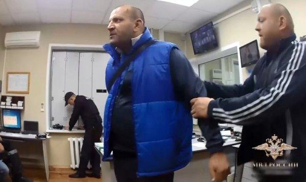 Омскому дебоширу из Толмачево грозит пять лет тюрьмы