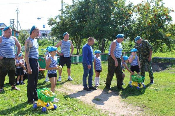 Мошковские десантники отметили день ВДВ благотворительностью