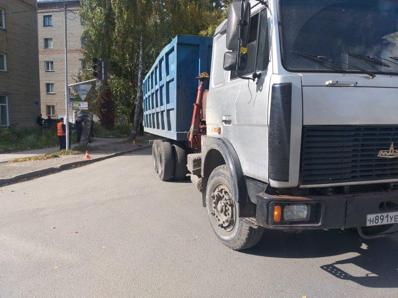 Водитель грузовика насмерть сбил 62-летнего новосибирца