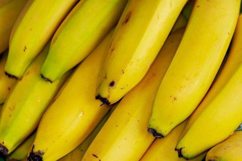 Не поверишь глазам: просто свари обычный банан в минеральной воде