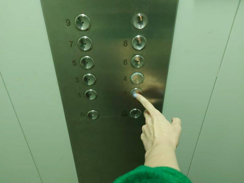 Порядка 90 лифтов заменят в многоквартирных домах по всей области в этом году