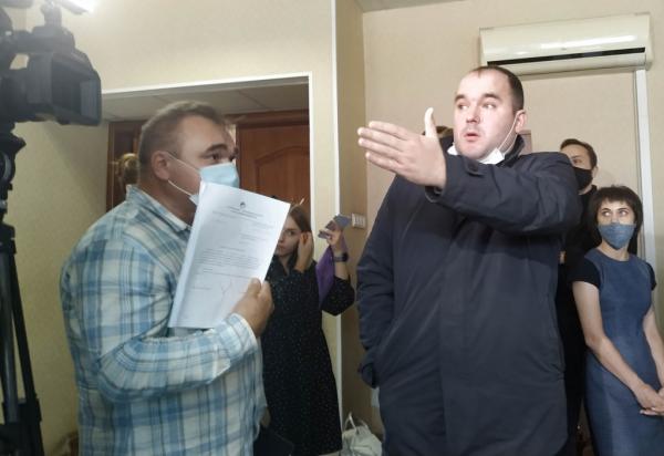 Депутат Бурмистров предложил пощупать недра начальника городского департамента транспорта