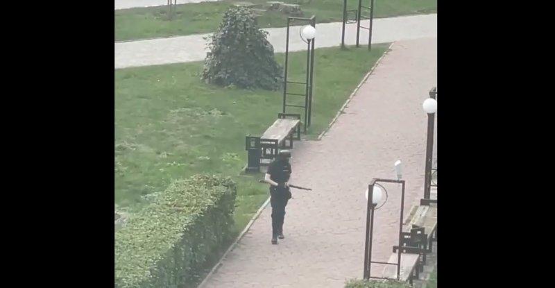 Неизвестный открыл стрельбу в университете Перми, есть погибшие (ВИДЕО)