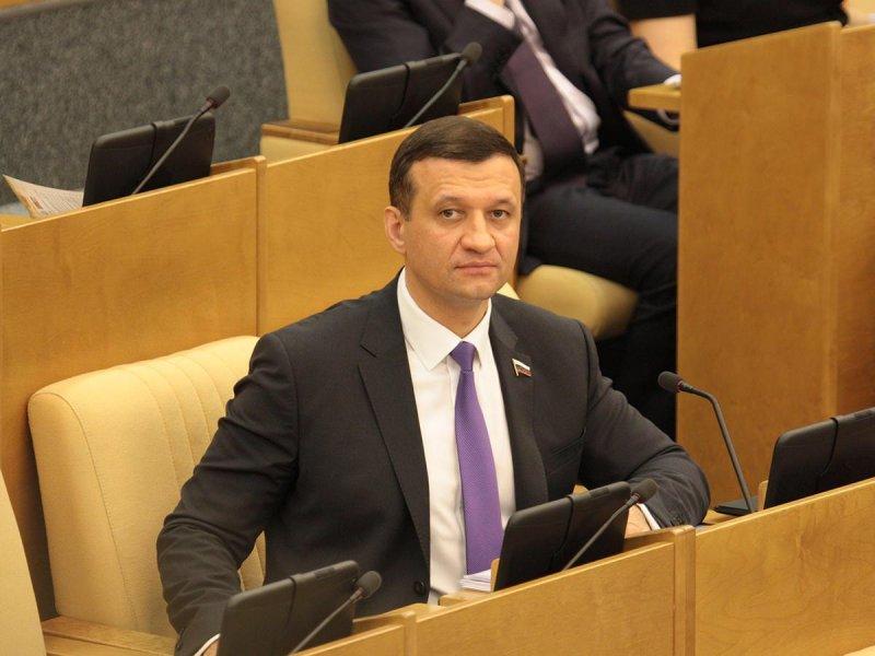 Новосибирского депутата Госдумы наградили за заслуги перед Отечеством