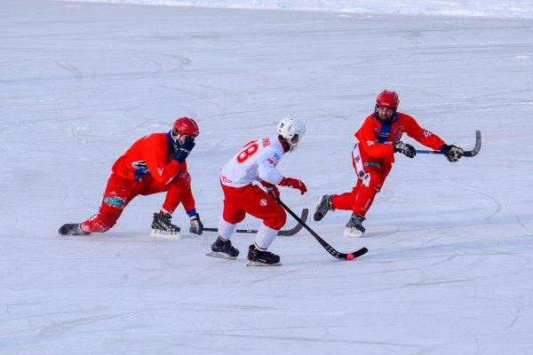 ХК «Сибсельмаш» одержал первую победу в чемпионате