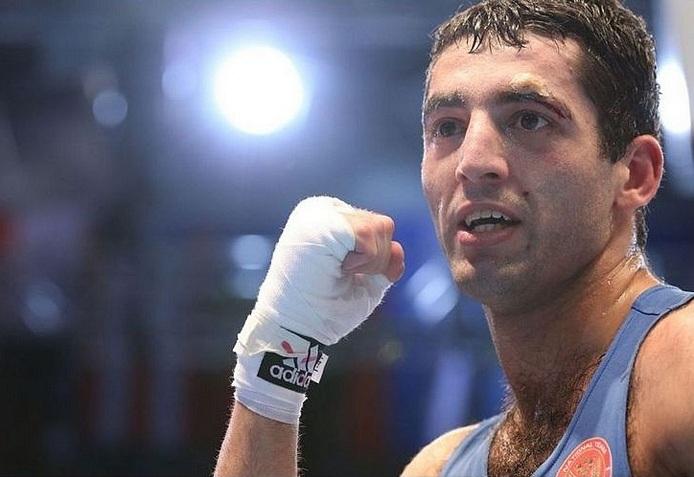 Миша Алоян защитил золотой титул чемпиона WBA