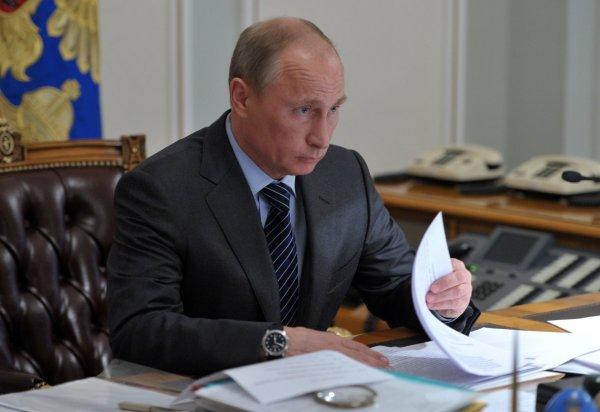 Два новосибирских врача удостоились почетных званий