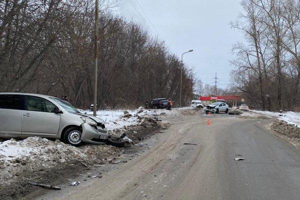 Устроивший массовое ДТП водитель Infiniti убежал с места аварии