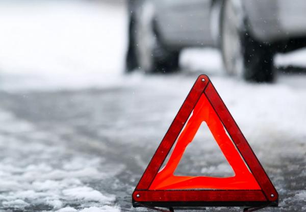 Машина горит на Краснояровском шоссе: видео