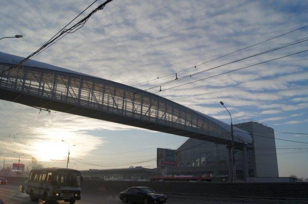 Ищите другие пути: в Новосибирске срочно закрывают подземный переход у «Речного вокзала»