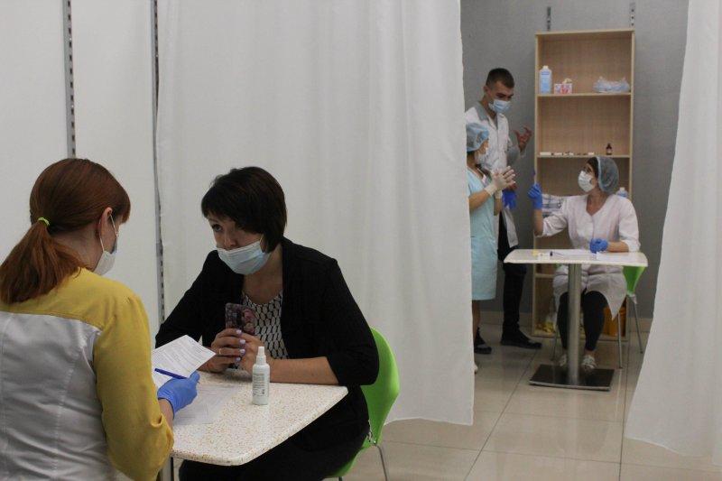 Новые ограничения из-за коронавируса вводят в Новосибирской области
