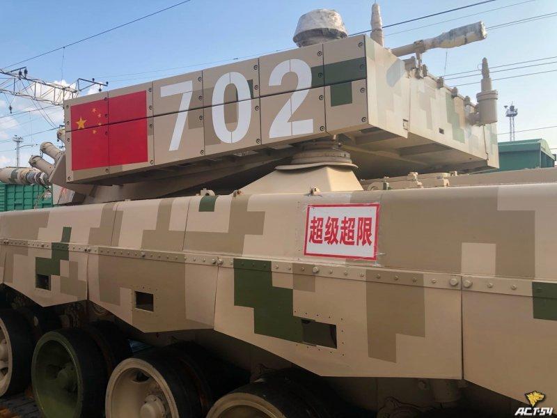 Поезд с китайской военной техникой взбудоражил жителей Новосибирска