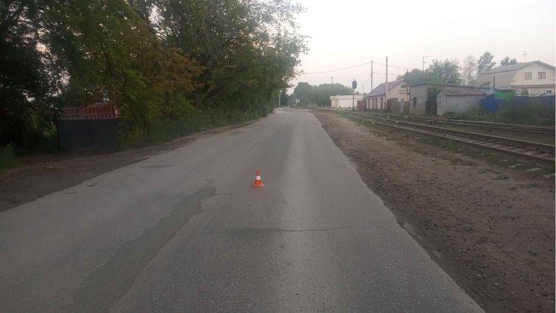 По вине пьяного водителя велосипедист чуть не разбил голову под колесами автомобиля