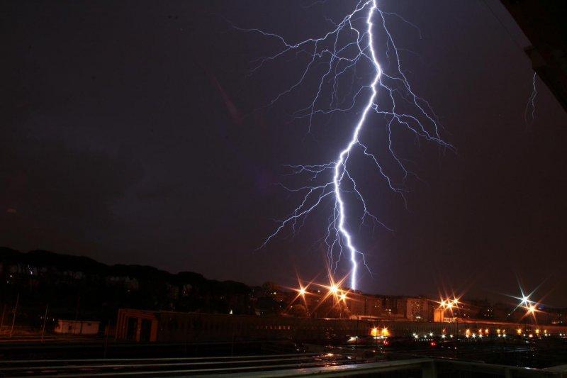 Удар молнии: опасность и последствия для человека