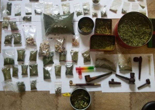 Трубки для марихуаны фото кто из известных курил марихуану