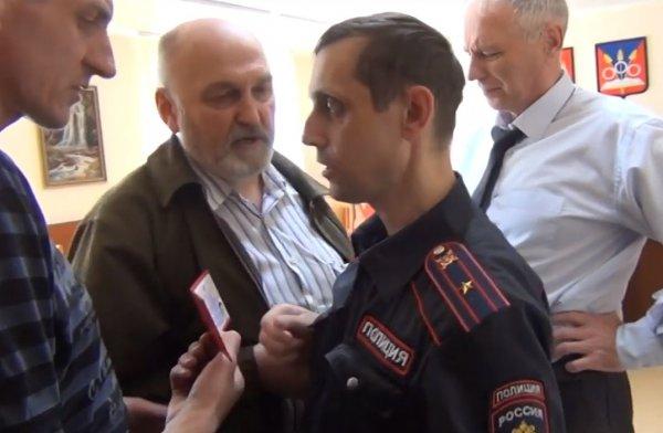 Радикалы попытались захватить власть в Краснообске