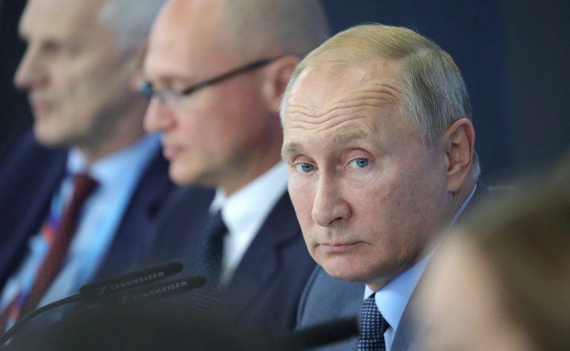 Без суда россияне смогут списать свои долги: закон принят
