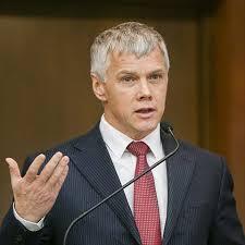 Россия на пороге очередного скандала: Вакцина  «Спутник V» не спасла депутата Госдумы от COVID-19