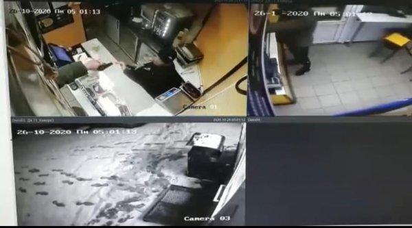 Новосибирские полицейские ищут напавшего на «Дядя Денер» разбойника