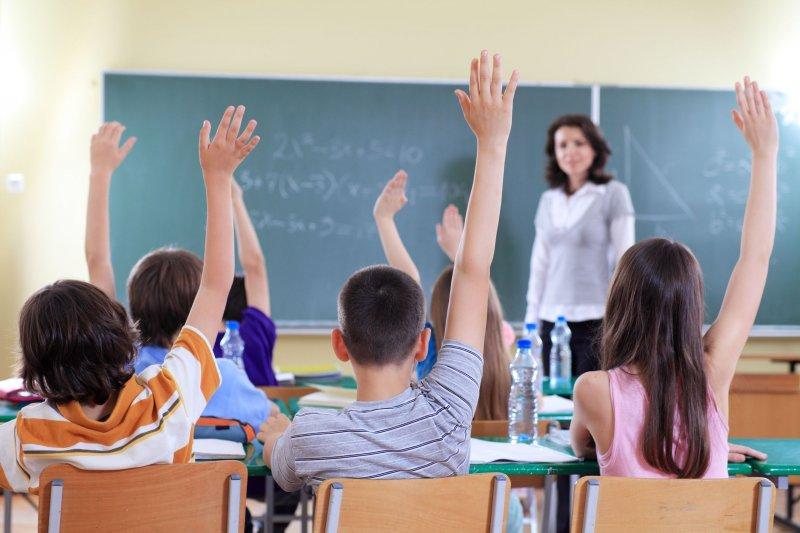 Выплаты на детей школьников начнутся уже со 2 августа