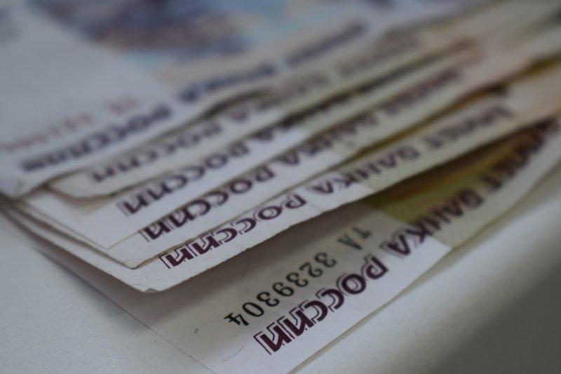 Новосибирский таможенник отказался от крупной взятки