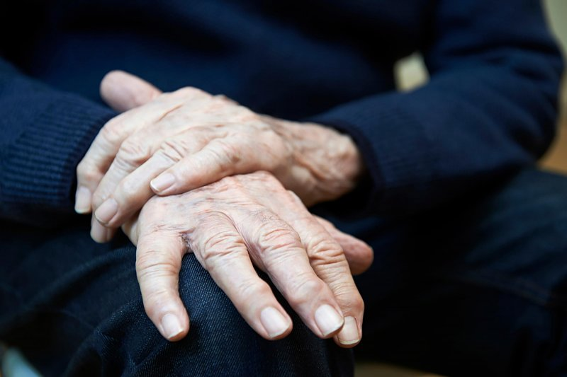 Названы признаки старения, при которых нужно немедленно бежать к врачу