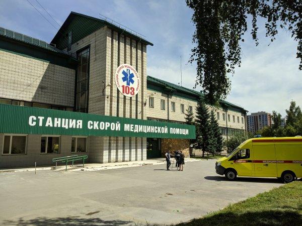 В новосибирской «скорой» объяснили, почему фельдшеры не берут мазок на COVID-19