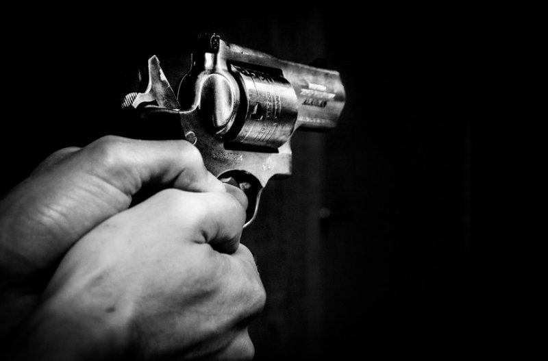 Двух убитых с пулями в голове нашли в квартире дома в Новосибирске