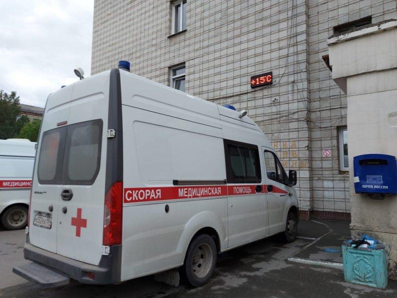 Министр Хальзов объяснил очереди «скорой» у больницы №3 и необходимость госпиталя в Бердске