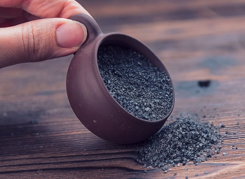 От гипертонии и больного сердца готовят и едят четверговую соль