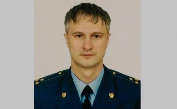 Экс-прокурор Новосибирска Денис Ференец останется под арестом до конца мая