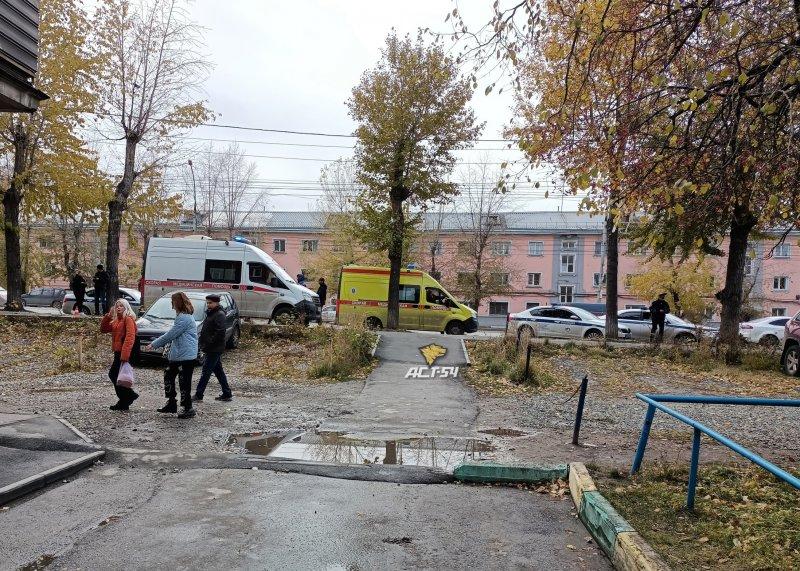 Карета скорой помощи насмерть сбила ребенка в Новосибирске