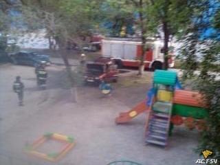 Внедорожник «сгорел от стыда» за припарковавшегося на детской площадке владельца
