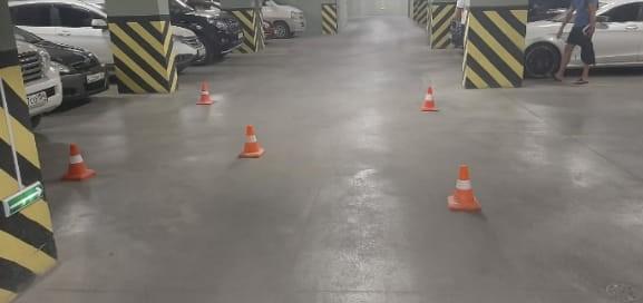 7-летнюю девочку доставили в больницу после аварии на подземной парковке