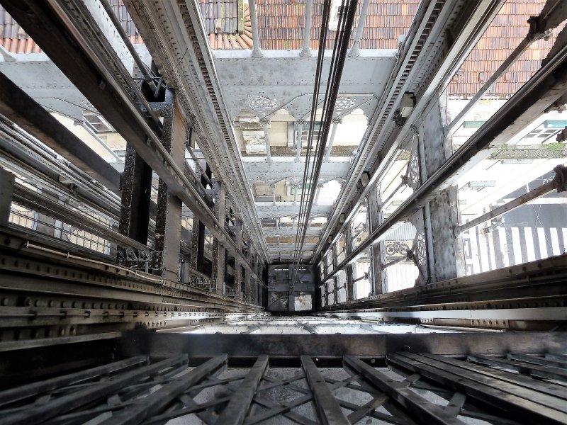 Штраф заплатит обвиняемый в смерти рабочего в шахте лифта мастер участка