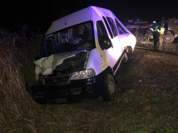 Пять пассажиров маршрутки попали в больницу