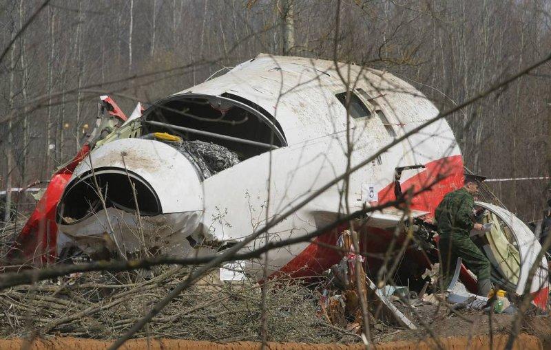 Польская прокуратура требует ареста российских авиадиспетчеров по делу Качиньского