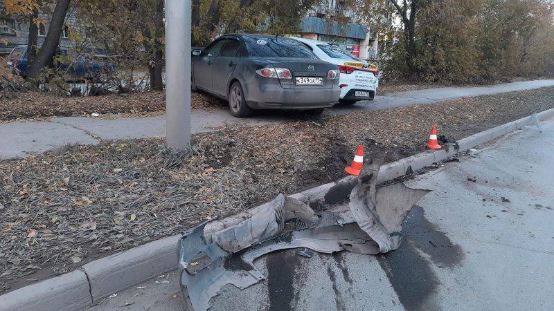 В ДТП с участием такси пострадали двое шестилетних детей в Новосибирске