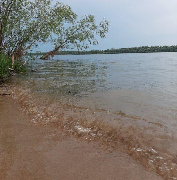 Тело утонувшего в Оби 15-летнего мальчика ищут водолазы